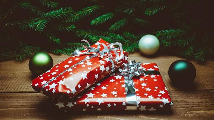 ki hozza az ajándékot