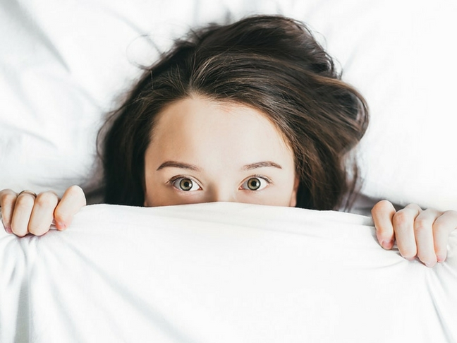 ki az ágyból