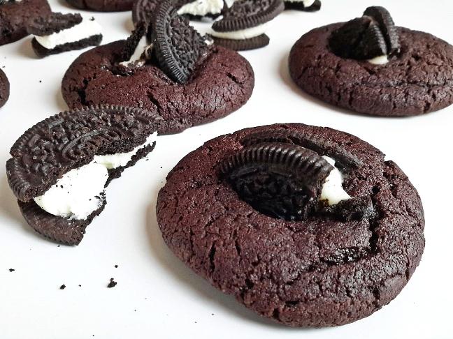 csokis keksz hátán keksz