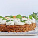 Zöldülő ünnepi asztal: répatorta mascarponekrémmel (könyvajánló)