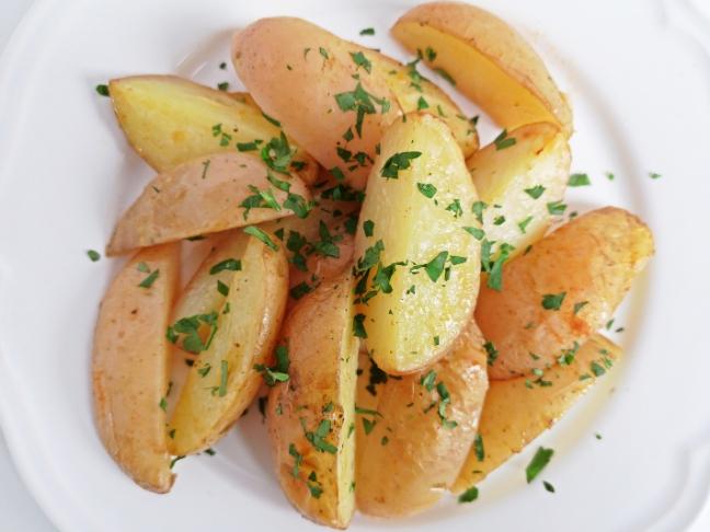 újkrumpli sütőben sütve