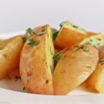 Tavaszi frissesség: sütőben sült újkrumpli