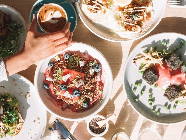 organize holiday brunches