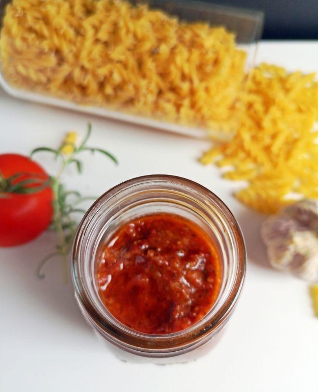 tészta vörös pestóval recept