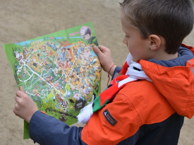 introduce maps in kids' life