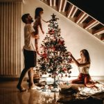 3 Easy Steps to Decorate a Christmas Tree