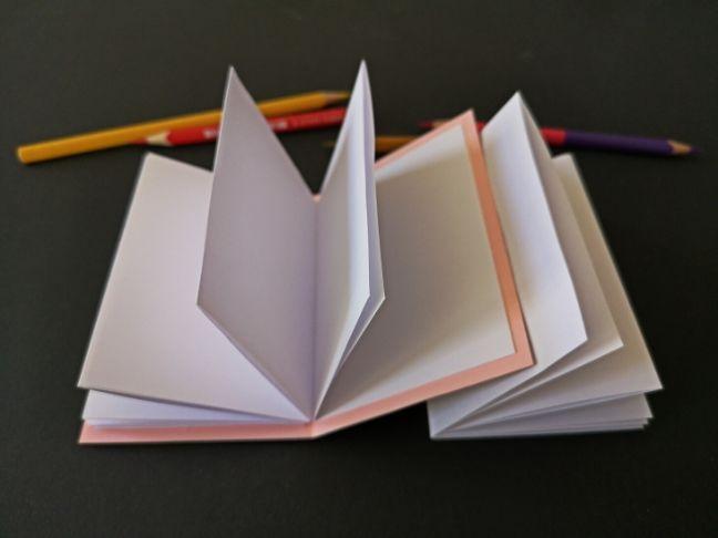 diy jegyzetfüzet hajtogatással