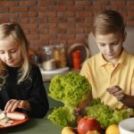 How to Teach Your Kids to Eat Healthier and Smarter