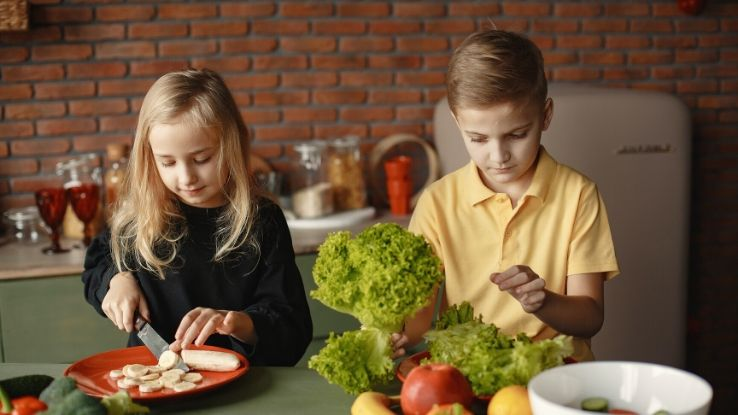 teach kids to eat healthier