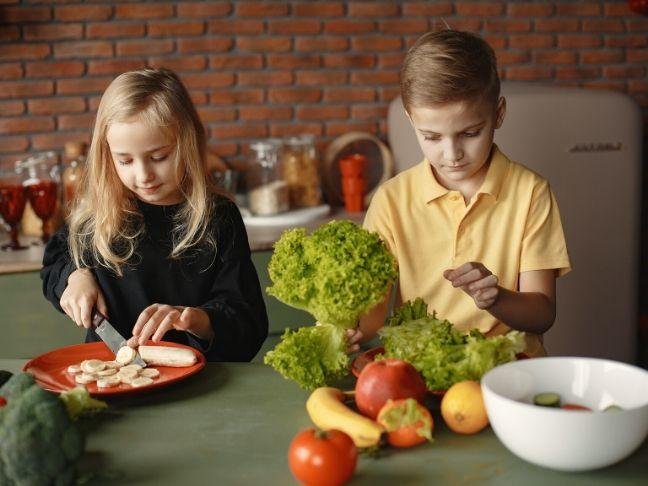 teach kids to eat healthier