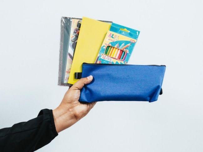iskolai felszereés becsengetés