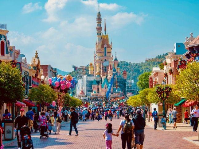 travel to Disneyland resort